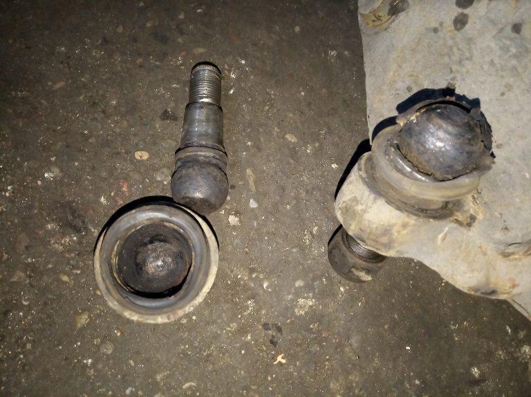 Стук передней подвески Iveco Daily 2012 35c15